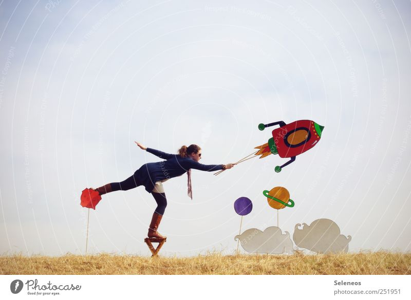 *400* Durchstarten Freizeit & Hobby Spielen Mensch 1 Umwelt Natur Wolkenloser Himmel Pflanze Gras Feld Luftverkehr Rakete Schal Stiefel fliegen frei