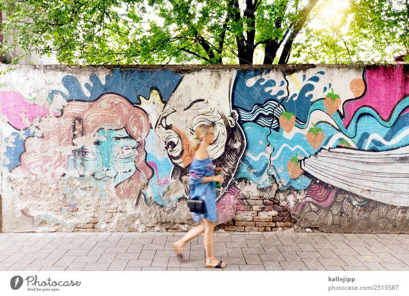 wallwalk Frau Mensch Ferien & Urlaub & Reisen Sommer Lifestyle Erwachsene Wand feminin Stil Tourismus Mauer Ausflug Design elegant laufen Bekleidung