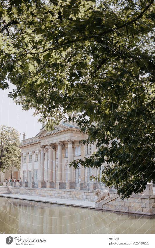 Warschau IX Park Haus Palast Burg oder Schloss Gebäude Architektur Sehenswürdigkeit alt außergewöhnlich Tourismus Warszaw Farbfoto Außenaufnahme Menschenleer