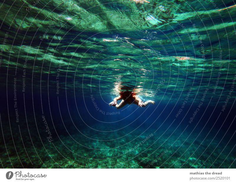 UNTER DEM MEER Natur Ferien & Urlaub & Reisen Jugendliche Junge Frau blau Wasser Meer Freude dunkel kalt feminin Sport Bewegung außergewöhnlich