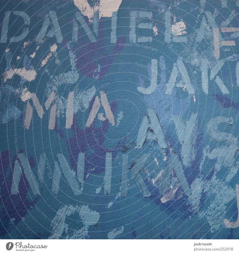 Name gesucht blau Hand Wand Graffiti Mauer Menschengruppe Freundschaft Zusammensein Design Schriftzeichen Beton Kreativität einzigartig Zeichen Zusammenhalt