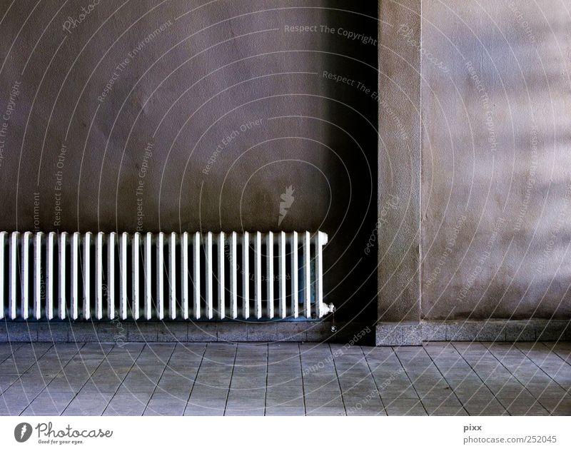 ___|_ Renovieren Raum Handwerker Mauer Wand Beton Linie alt braun weiß Einsamkeit Heizkörper Wärmeisolierung Sonnenlicht Lichteinfall Fliesen u. Kacheln