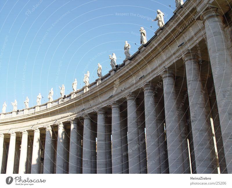 Säulen am Petersplatz/Rom Religion & Glaube Architektur Säule Rom Vatikan Petersplatz