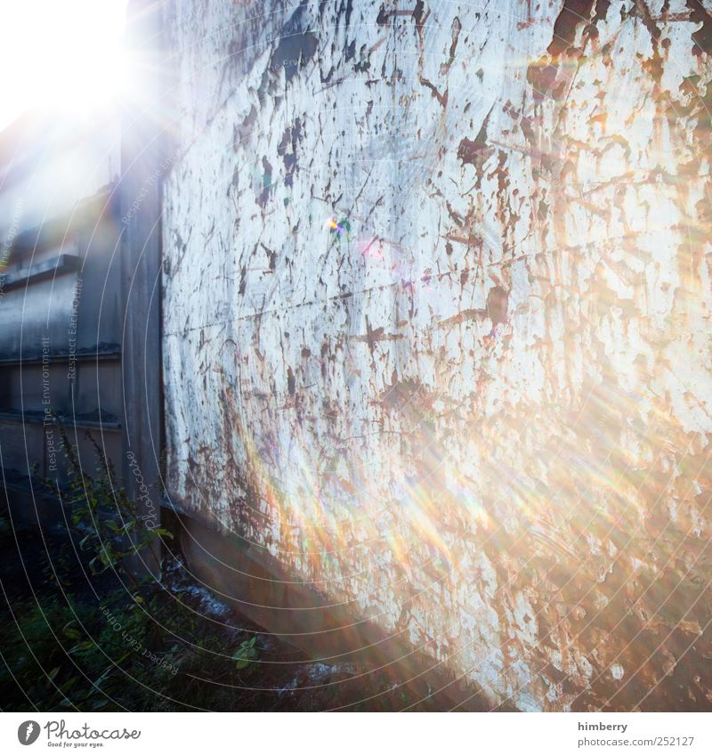after dark Sonne kalt Wand Wege & Pfade Mauer Kunst Freiheit Metall Design Energiewirtschaft Angst Beginn Industrie planen Wandel & Veränderung Hoffnung