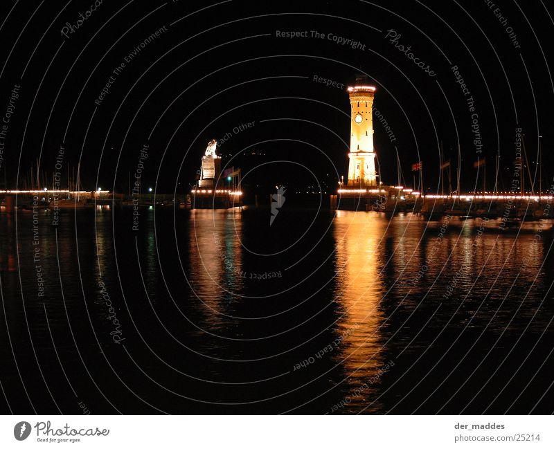 Reflexe Lindau Löwe Leuchtturm Nacht Reflexion & Spiegelung Beleuchtung Europa Hafen Insel