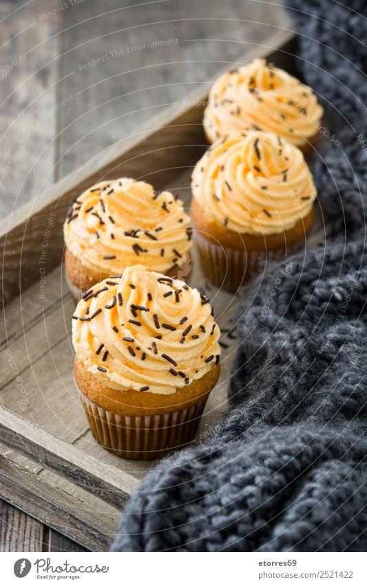 Herbst Cupcakes auf Tablett Holz Erntedankfest Feste & Feiern Feiertag Dessert süß Butter Muffin Jahreszeiten Saison orange Hintergrund Streusel Schokolade