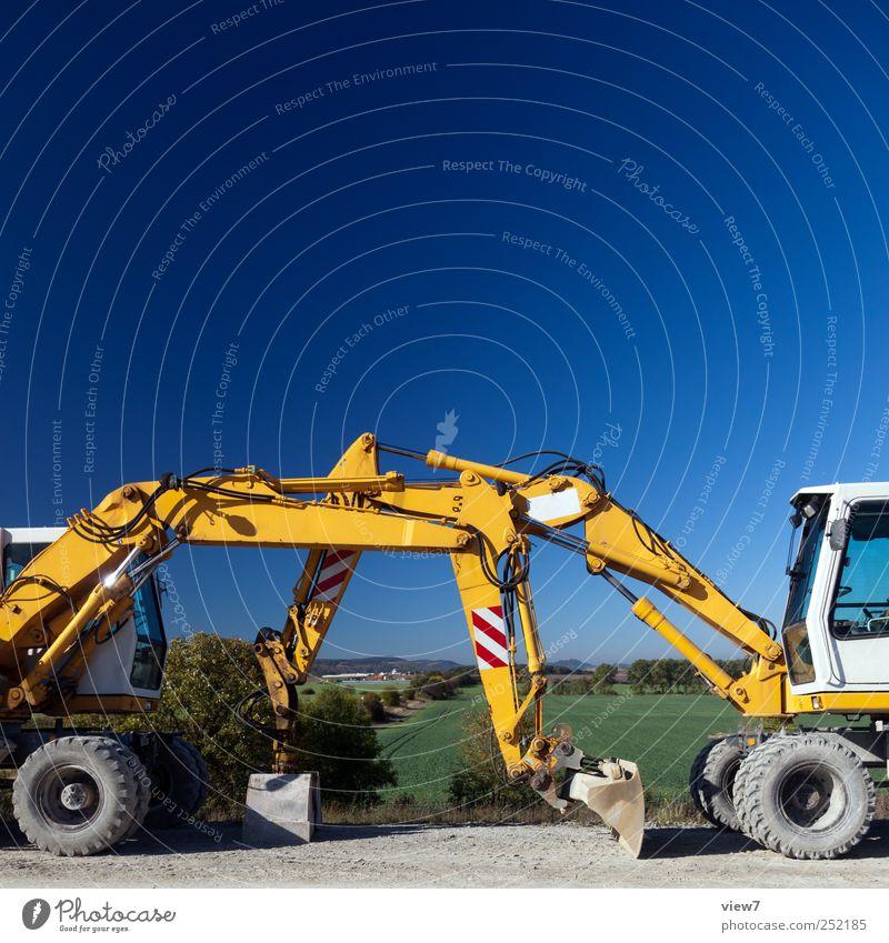 Bagger Baustelle Feierabend Natur Wolkenloser Himmel Klima Schönes Wetter Verkehrsmittel Verkehrswege Fahrzeug authentisch einfach frisch gelb Beginn Ende