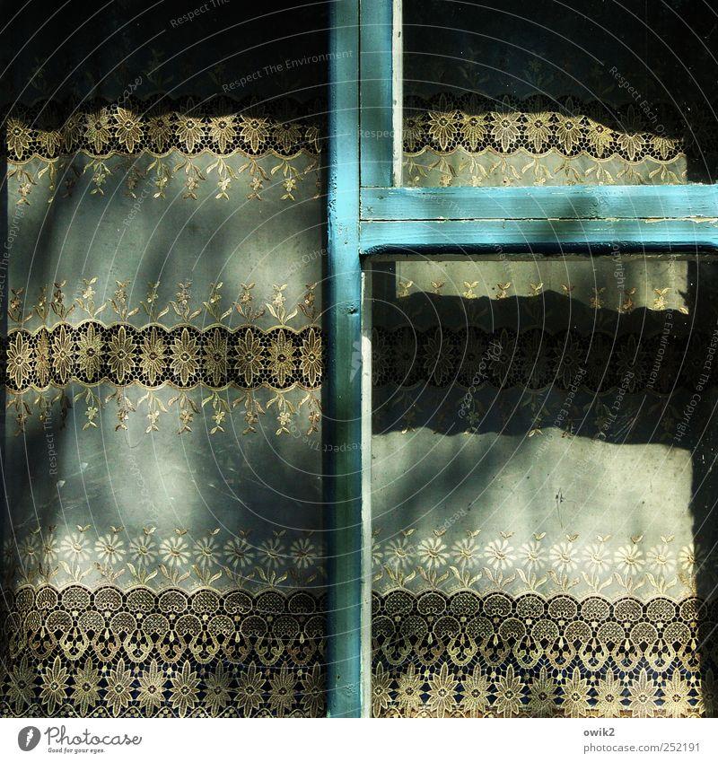 Moldawische Gardinen alt blau Ferne Fenster grau klein trist Wandel & Veränderung außergewöhnlich Dekoration & Verzierung Vergänglichkeit rein dünn Vergangenheit türkis Geometrie