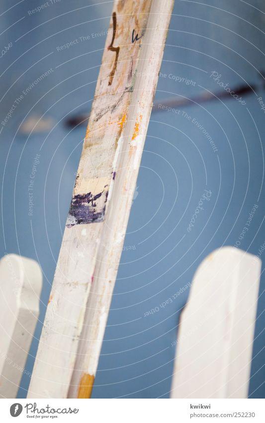 ratespiel malen Zeichner zeichnen Kunst Maler Kunstwerk Staffelei blau weiß Farbfoto Gedeckte Farben Innenaufnahme Textfreiraum rechts Textfreiraum oben