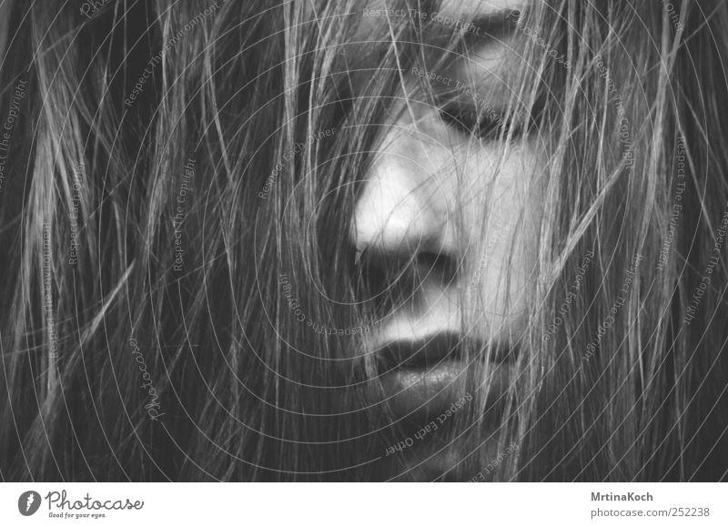 skin. Mensch Jugendliche Kopf Haare & Frisuren Gesicht Nase Lippen 1 langhaarig Gefühle Traurigkeit Sorge Trauer Unlust Schmerz Sehnsucht Porträt Haarsträhne