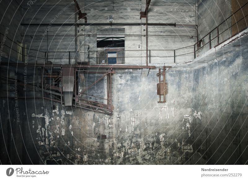 Chamansülz | Pulverfabrik dunkel Wand Architektur Mauer Gebäude Stimmung Arbeit & Erwerbstätigkeit Zeit dreckig Beton Industrie bedrohlich Technik & Technologie