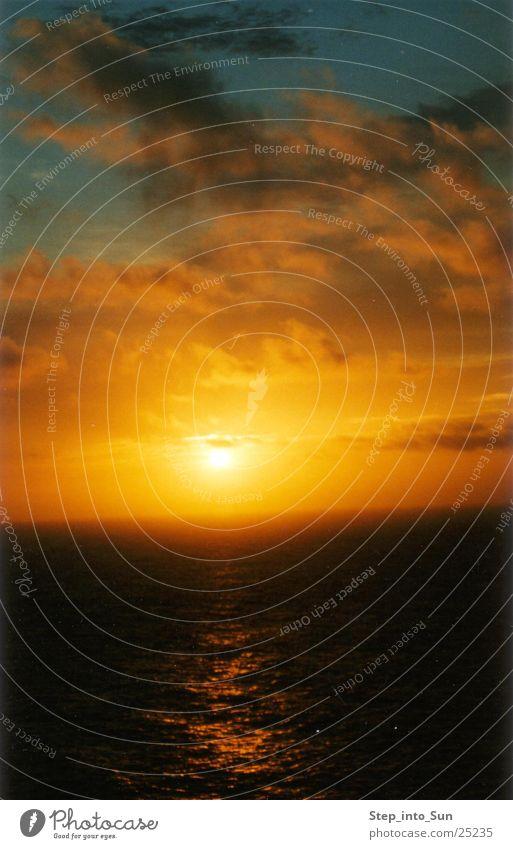 Sunrise at 5:00 am Wasser Sonne Meer Graffiti Australien
