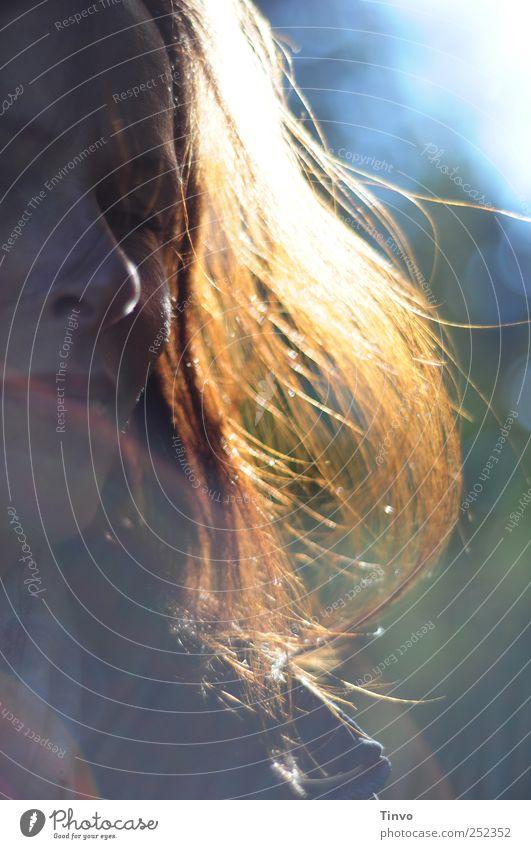 Das Leben ist wie Feuer Frau Mensch ruhig Gesicht feminin Herbst Gefühle Haare & Frisuren Erwachsene Glück träumen Zufriedenheit Warmherzigkeit brünett