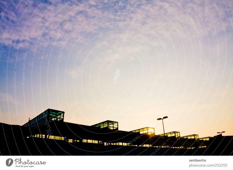 Südbahnhof Himmel Ferien & Urlaub & Reisen Stadt Haus Ferne Berlin Fassade Tourismus Verkehr Textfreiraum Schilder & Markierungen Ausflug