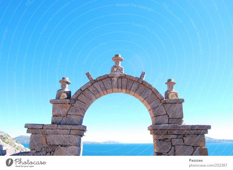 Baukunst Kunstwerk See Südamerika Peru Titicacasee Ruine Bauwerk Mauer Wand Tür Stein bauen entdecken Ferien & Urlaub & Reisen Zufriedenheit Blauer Himmel blau