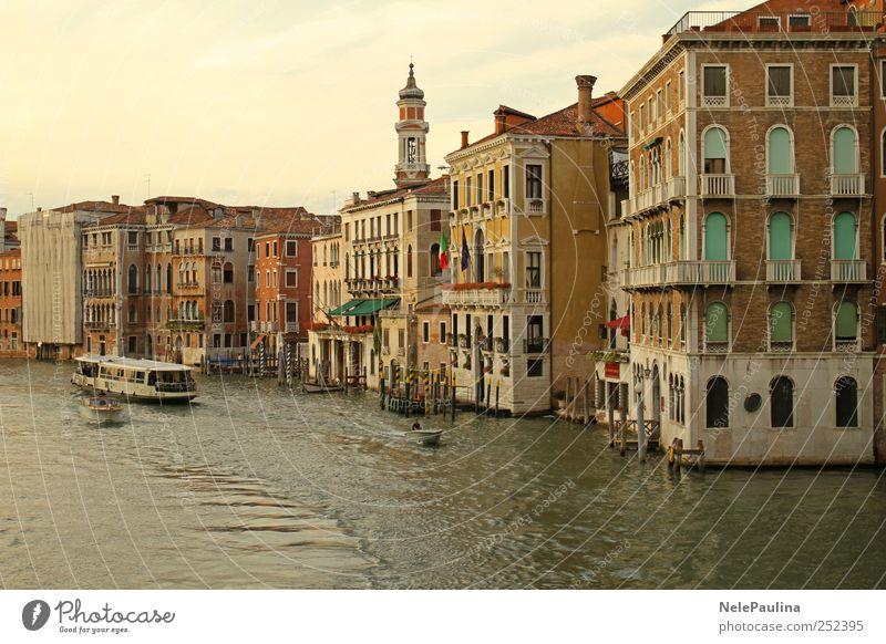 Canal Grande, Venedig Ausstellung Wasser Italien Europa Stadt Hafenstadt Altstadt bevölkert Haus Traumhaus Burg oder Schloss Gebäude Architektur Mauer Wand