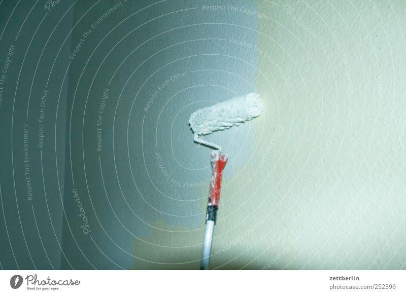 Weiß weiß Wand Arbeit & Erwerbstätigkeit Raum Wohnung geschlossen Häusliches Leben Baustelle streichen Handwerk Wohnzimmer Werkzeug Renovieren Handwerker