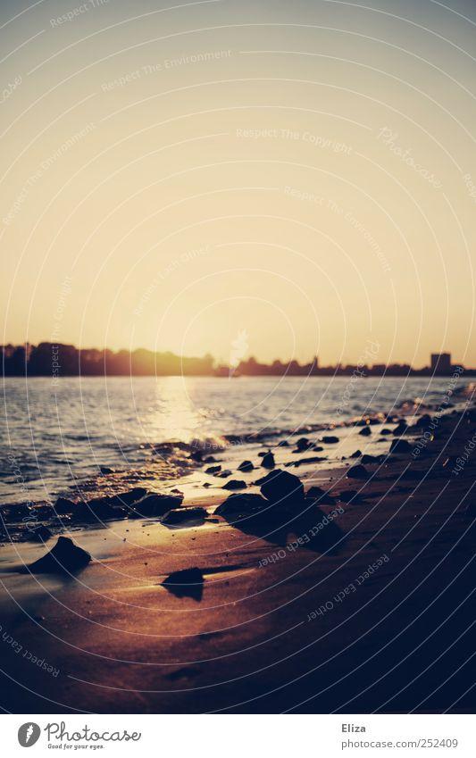 Und ich wusste nicht, dass Freiheit so allein ist... Ferien & Urlaub & Reisen Sommer Strand Landschaft Herbst Küste Horizont Schönes Wetter Flussufer