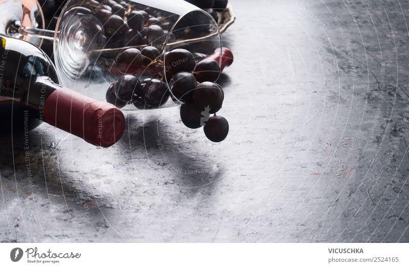 Weinglas mit roten Trauben und Flasche Rotwein Lebensmittel Frucht Getränk Alkohol Glas kaufen Stil Design Veranstaltung Restaurant Business Fahne
