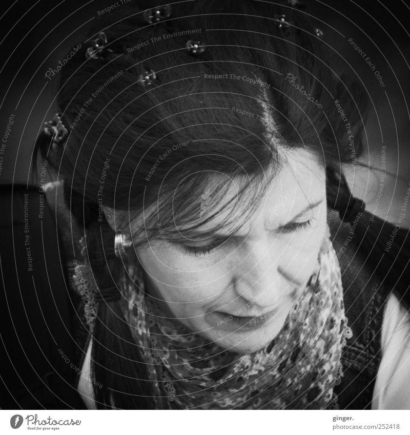 Mit Spangen im Haar [CHAMANSÜLZ 2011] Frau Mensch schön feminin Haare & Frisuren Erwachsene Zopf