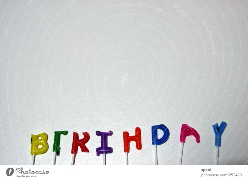 happy... Zeichen Freude Happy Birthday Geburtstag Schriftzeichen Kerze Glückwünsche Blitzlichtaufnahme
