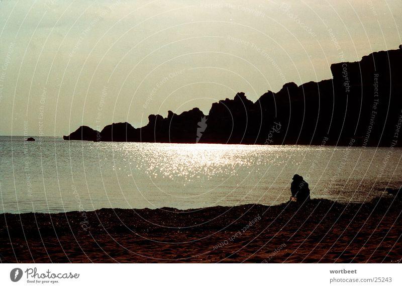 Malteser am Strand Mann Sonne Meer Strand Küste Felsen Bucht Malta