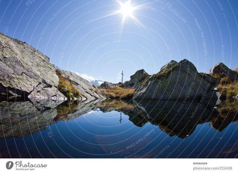 Gipfelsee Ferien & Urlaub & Reisen Tourismus Ausflug Freiheit Expedition Sommer Sonne Klettern Bergsteigen Natur Landschaft Himmel Klima Wetter Gras Felsen