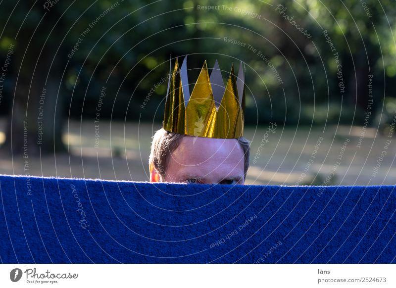 schon wieder ein Paparazzi Mensch Leben maskulin beobachten Neugier Erwartung Rätsel Krone