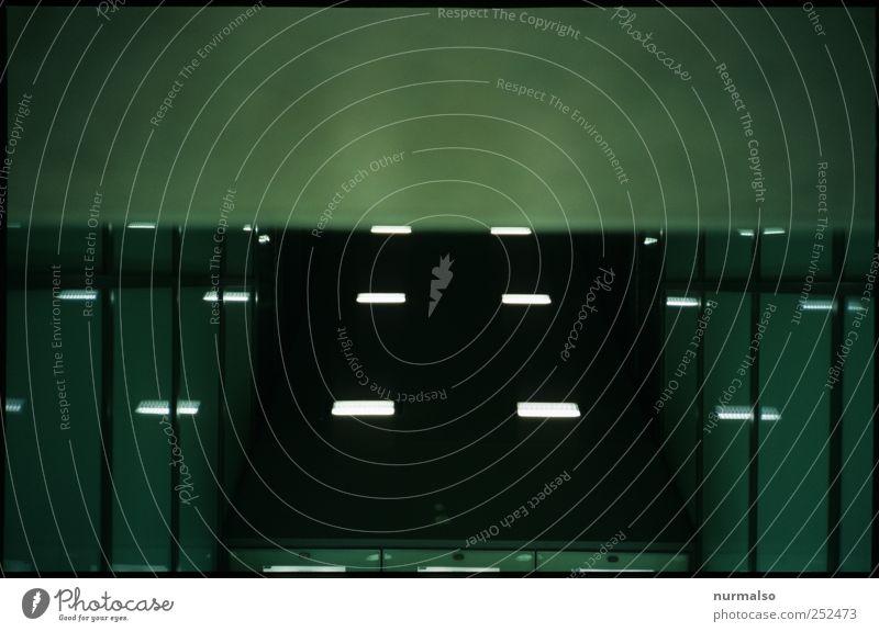 Spacedip dunkel kalt Umwelt Stil träumen Kunst Innenarchitektur Treppe ästhetisch Perspektive Lifestyle leuchten Technik & Technologie Güterverkehr & Logistik U-Bahn Tunnel
