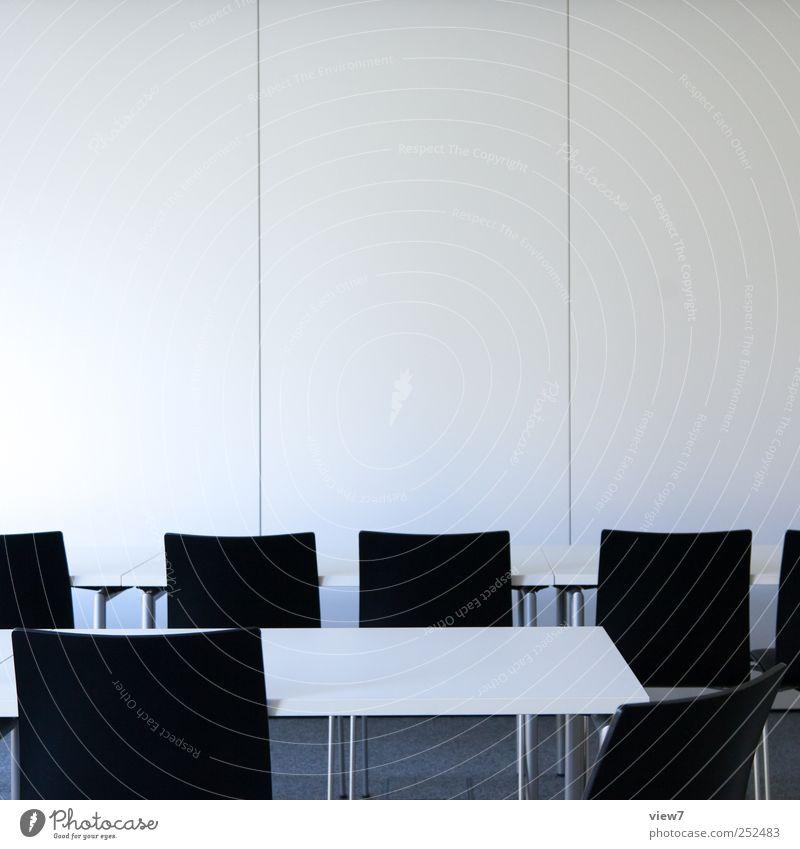 Seminar Umzug (Wohnungswechsel) Innenarchitektur Möbel Stuhl Tisch Bildung lernen Schulgebäude Studium Hörsaal Büroarbeit Arbeitsplatz machen sitzen authentisch
