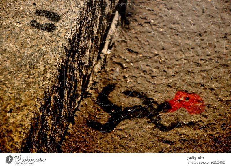 Gesprungen rot Straße Tod Graffiti springen Stimmung Kunst liegen verrückt Symbole & Metaphern Zeichen Fußspur Blut Unfall Selbstmord Erschöpfung
