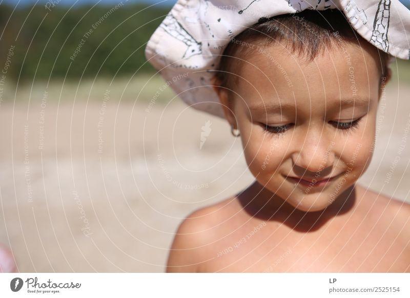 Schüchternheit Lifestyle Freude schön Gesicht Wellness Leben harmonisch Wohlgefühl Zufriedenheit Sinnesorgane Erholung ruhig Kinderspiel Kindererziehung Bildung