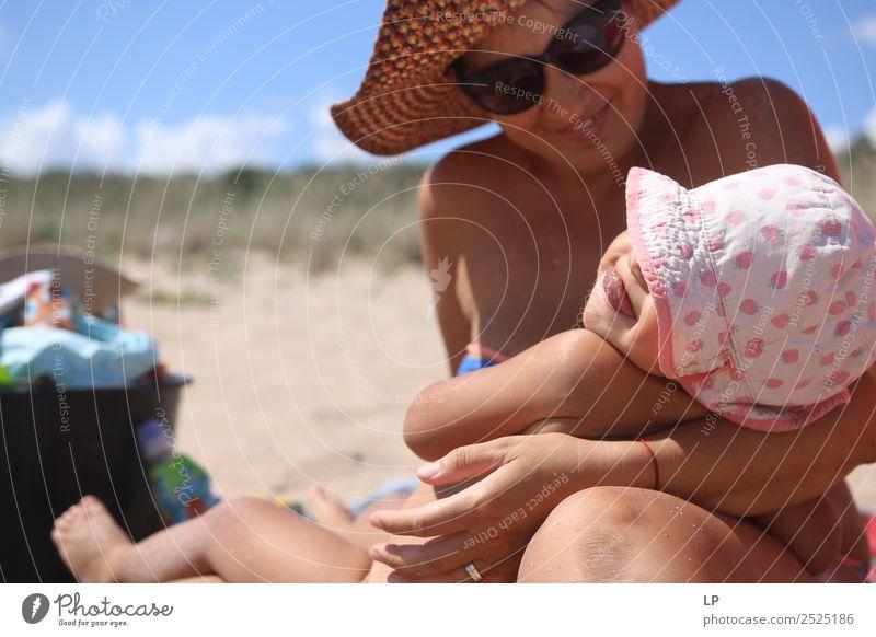 Kind Mensch Ferien & Urlaub & Reisen Jugendliche Junge Frau Sonne Erholung Freude Mädchen Strand Lifestyle Erwachsene Leben feminin Gefühle