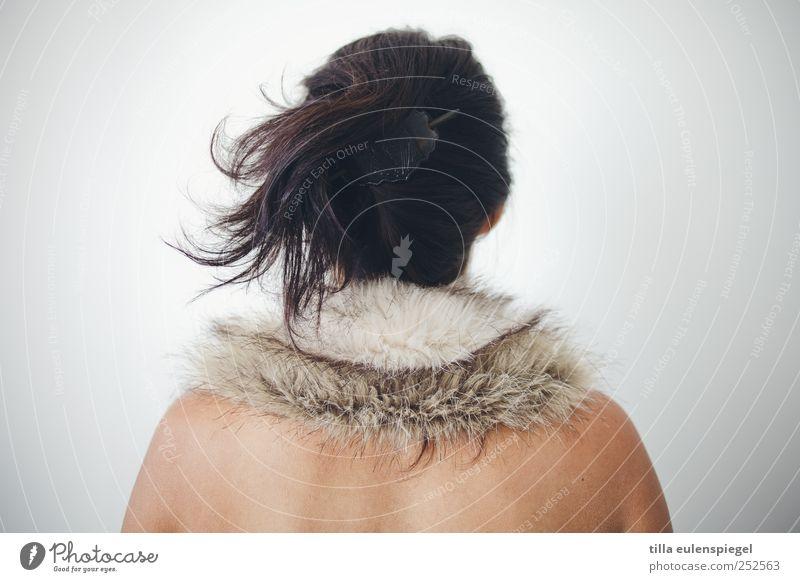 pelzig. feminin Frau Erwachsene 1 Mensch 18-30 Jahre Jugendliche Fell Accessoire Haare & Frisuren schwarzhaarig Zopf weiß ästhetisch stagnierend Leipzig