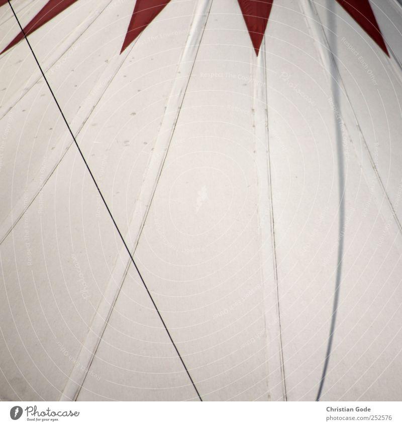 Artista Freizeit & Hobby Theater Bühne Zirkus Bauwerk Gebäude Architektur rot Zelt Zirkuszelt diagonal Schatten weiß Zeltplane Linie Decke Farbfoto