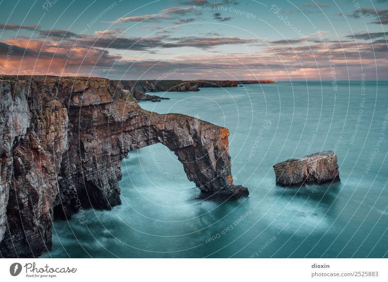 Green Bridge of Wales Ferien & Urlaub & Reisen Tourismus Abenteuer Ferne Freiheit Sightseeing Umwelt Natur Landschaft Urelemente Erde Wasser Himmel Wolken