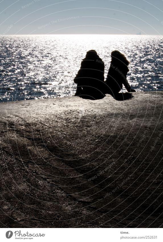 ** Erholung ruhig Ferien & Urlaub & Reisen Sonne Strand Meer Mensch Paar 2 Wasser Horizont Nordsee Beton glänzend sitzen Pause Mole ausruhen Farbfoto