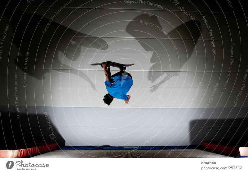 Trampboard Lifestyle Stil Freude Freizeit & Hobby Sport Fitness Sport-Training Sportler Snowboard Sportstätten Mensch maskulin Junger Mann Jugendliche 1