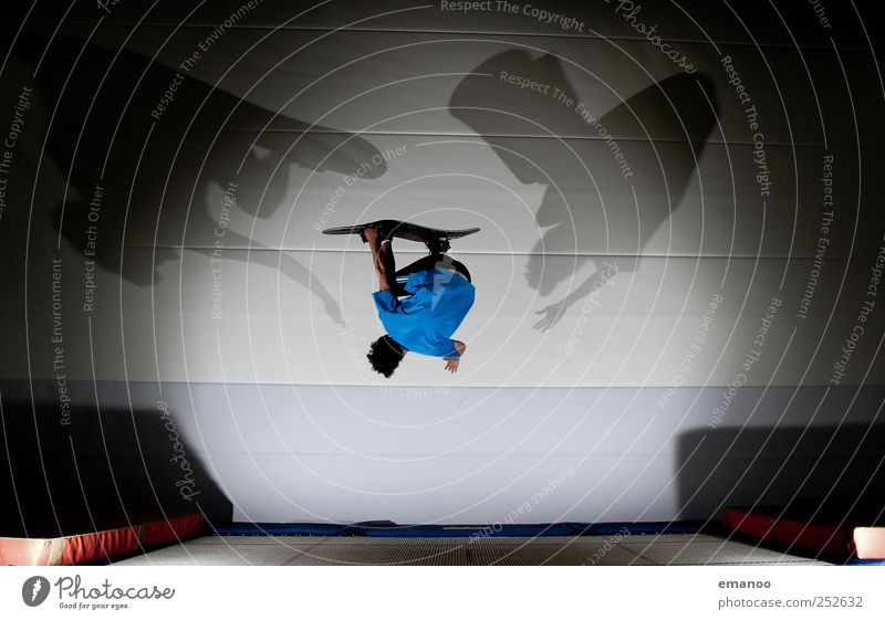 Trampboard Mensch Jugendliche Junger Mann Freude Bewegung Stil Sport Lifestyle fliegen springen maskulin Freizeit & Hobby ästhetisch hoch Fitness Coolness