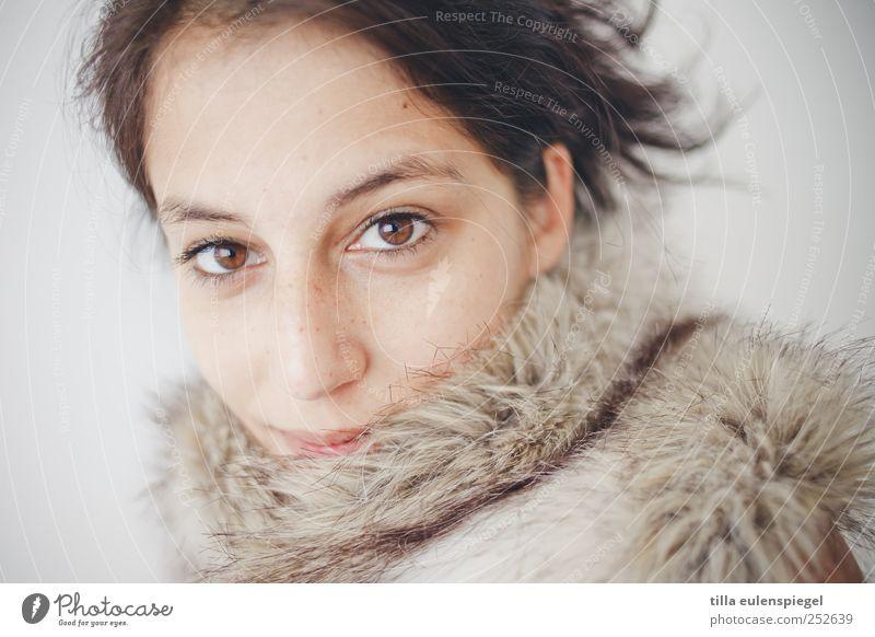 ° Frau Mensch Jugendliche schön Erwachsene Auge feminin kalt natürlich ästhetisch 18-30 Jahre Fell Leipzig Stolz schwarzhaarig Gesicht