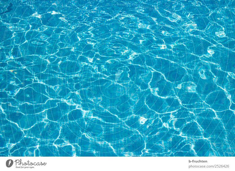 Pool-Wasser Schwimmbad Schwimmen & Baden Ferien & Urlaub & Reisen Sommer Sommerurlaub frei frisch blau türkis Freibad Oberflächenstruktur leer Freiheit Freude
