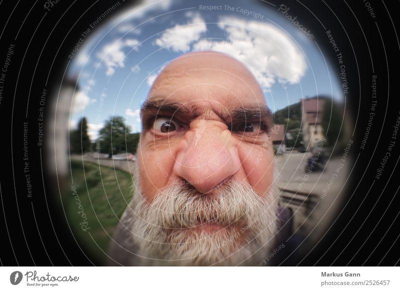Verärgerter Mann an der Türe Mensch alt Freude schwarz Erwachsene Senior Kopf grau Stimmung maskulin 45-60 Jahre Nase Wut Bart Rahmen