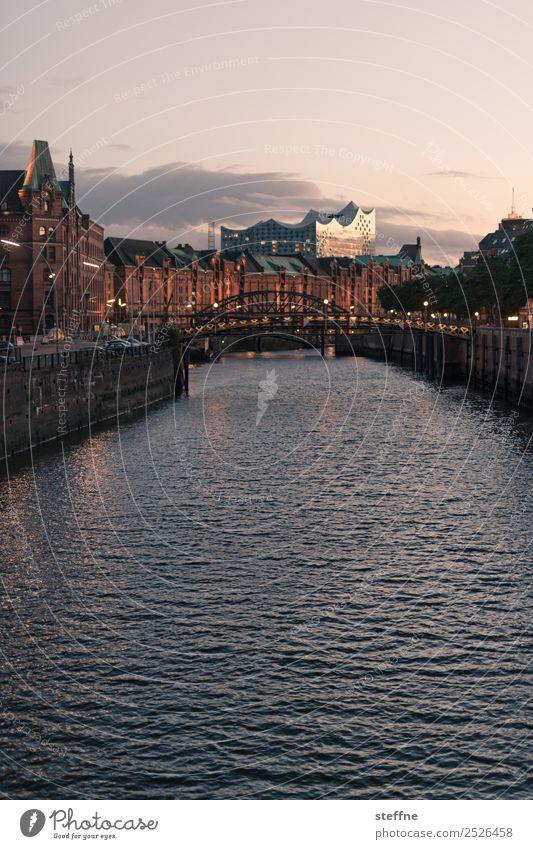 . Sonnenaufgang Sonnenuntergang Schönes Wetter historisch modern Hamburg Alte Speicherstadt Elbphilharmonie Kanal Panorama (Aussicht) Farbfoto Außenaufnahme