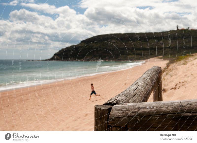 Nix wie rein! Mensch Himmel Sonne Ferien & Urlaub & Reisen Sommer Freude Strand Meer Wolken Einsamkeit Ferne Junge Kindheit Wellen laufen Schwimmen & Baden