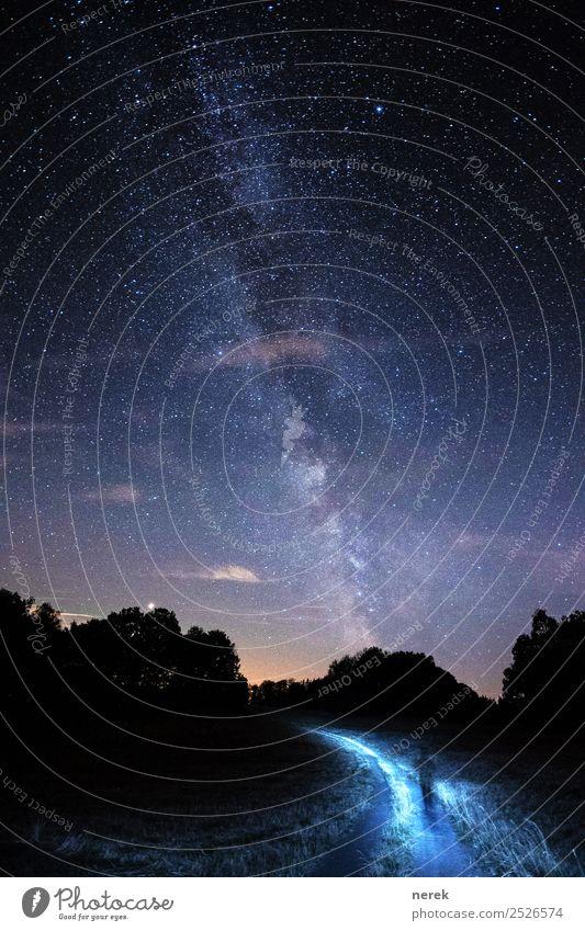 Auf dem Weg in den Himmel Körper Kunst Umwelt Urelemente Wolkenloser Himmel Stern Hügel Wege & Pfade Linie entdecken glänzend laufen wandern dunkel Ferne