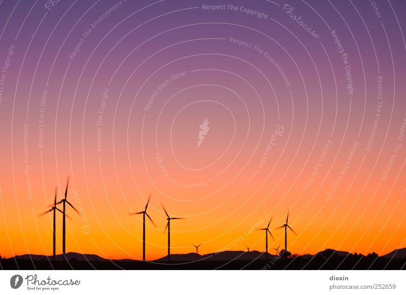 Farbwind [2] Technik & Technologie Energiewirtschaft Erneuerbare Energie Windkraftanlage Energiekrise Umwelt Landschaft Himmel Wolkenloser Himmel Sonnenaufgang