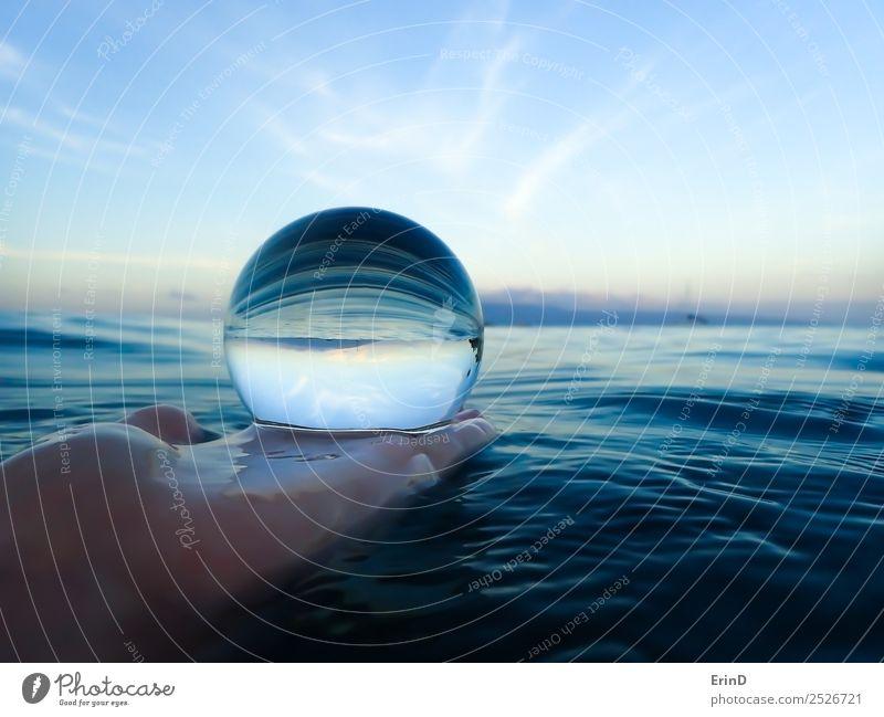 Morgendlicher Ozean in Glaskugel Design schön ruhig Ferien & Urlaub & Reisen Meer Insel Natur Landschaft Urelemente Erde Wasser Horizont Streifen hell