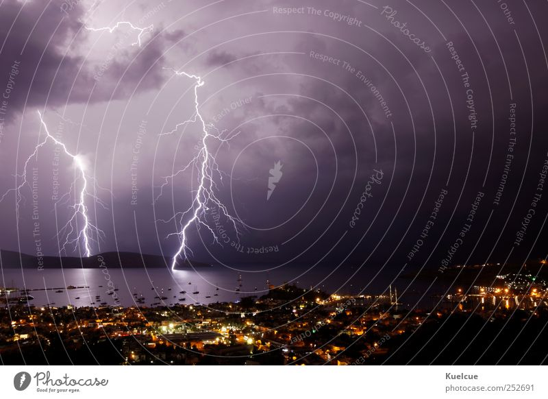 Unwetter Meer Haus Natur Landschaft Wasser Himmel Wolken Gewitterwolken Nachthimmel Wetter schlechtes Wetter Sturm Blitze Hagel Küste Bucht Bodrum Türkei