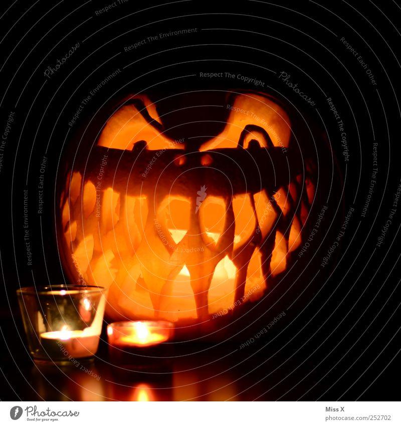 Happy Halloween Gemüse Auge Mund Zähne dunkel gruselig Gesichtsausdruck grinsen Grimasse Kerze Kerzenschein Dekoration & Verzierung Kürbis Teelicht Angst