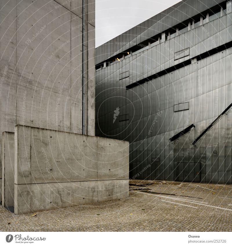 Jüdisches Museum 3 Berlin Architektur Architekturfotografie Gebäude Bauwerk Judentum Sehenswürdigkeit Sightseeing Fassade modern Blech grau Vergangenheit